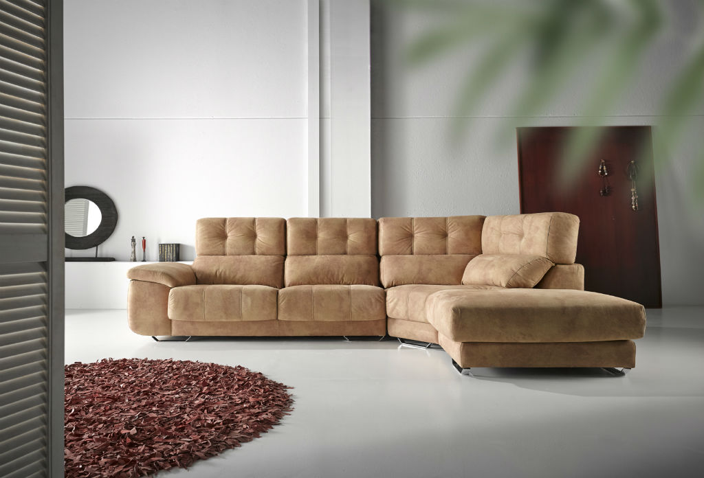 Sofa con chaiselongue rincon tapizado beige muebles sipo for Muebles beige